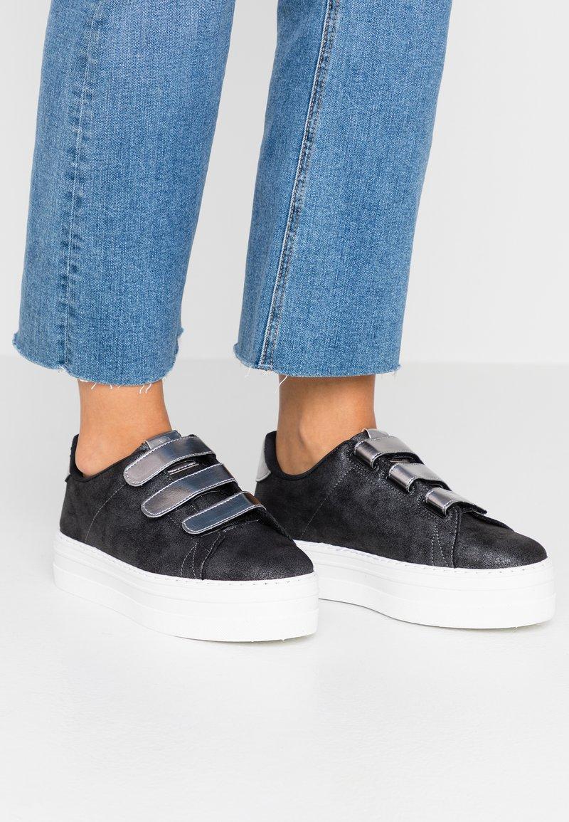 Victoria Shoes - BARCELONA METALIZADO  - Sneaker low - antracita