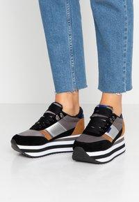 Victoria Shoes - COMETA DOBLE - Trainers - azul - 0