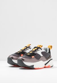 Victoria Shoes - AIRE METAL - Joggesko - black - 4