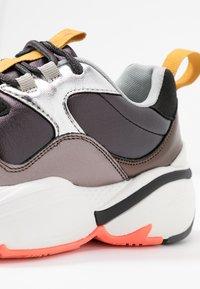 Victoria Shoes - AIRE METAL - Joggesko - black - 2