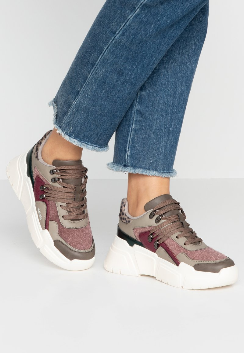 Victoria Shoes - TOTEM - Sneaker low - prune