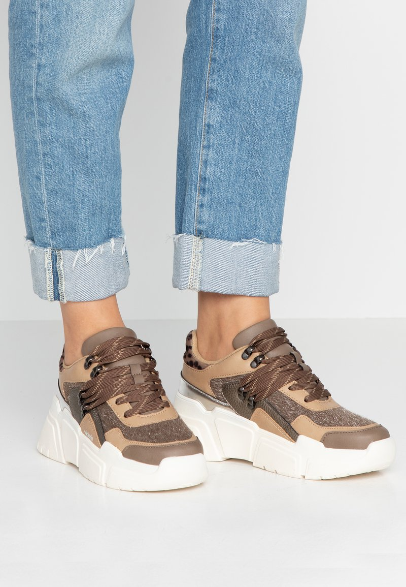 Victoria Shoes - TOTEM - Trainers - taupe