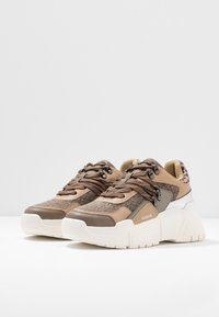 Victoria Shoes - TOTEM - Trainers - taupe - 4