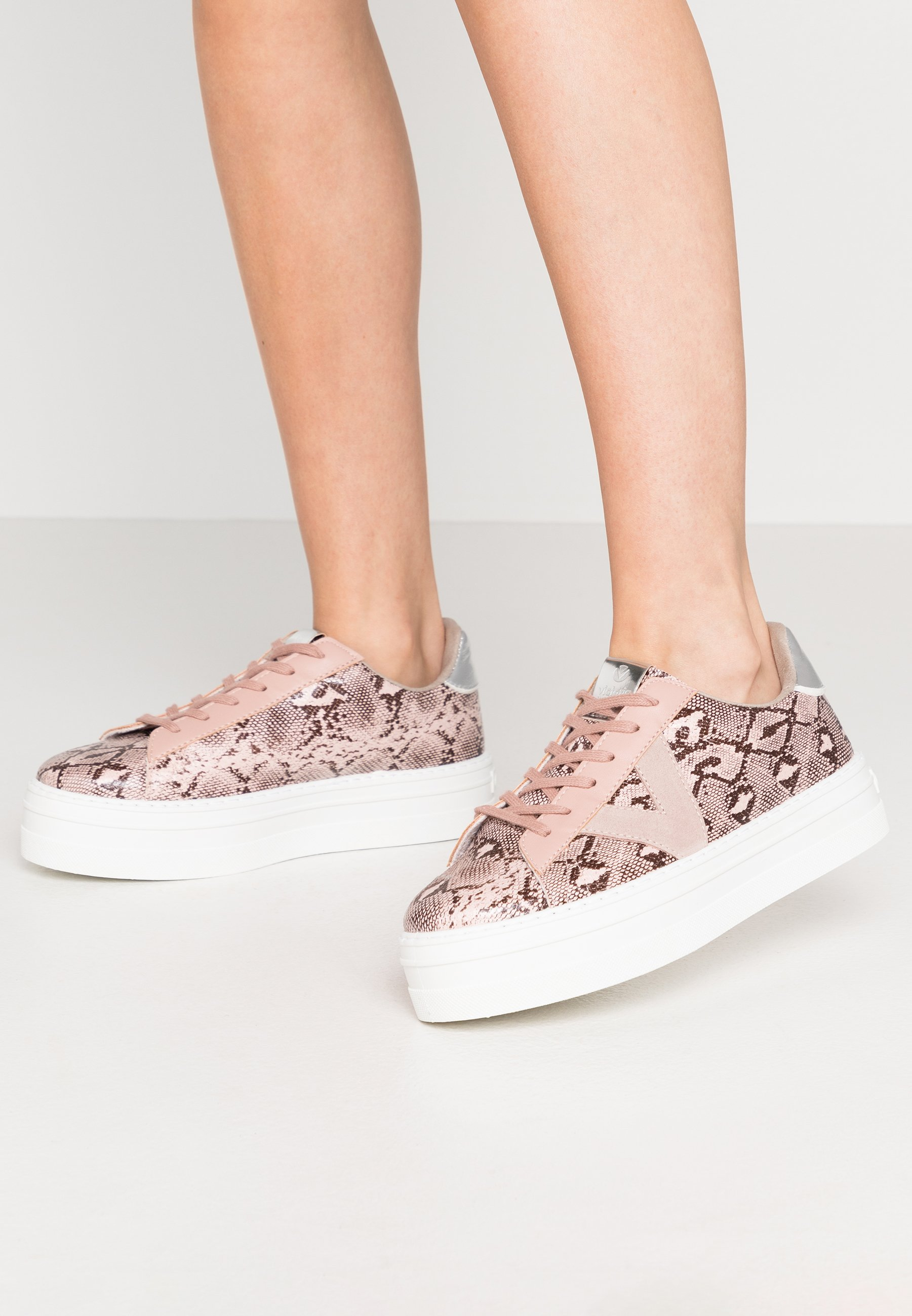 Victoria Shoes Sneakers - Nude