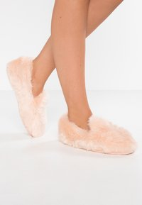 Victoria Shoes - Pantoffels - rosa - 0