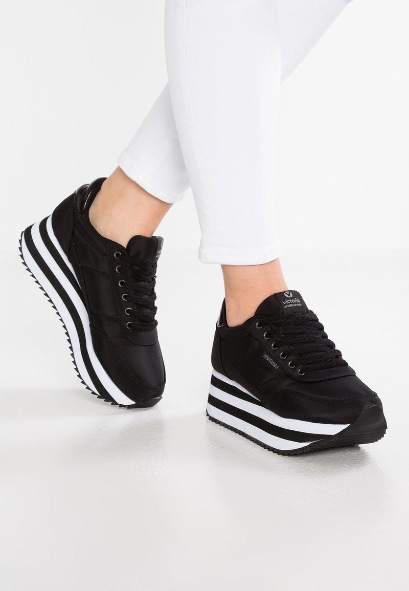 Victoria Shoes - DEPORTIVO PLATAFORMA - Sneaker low - black