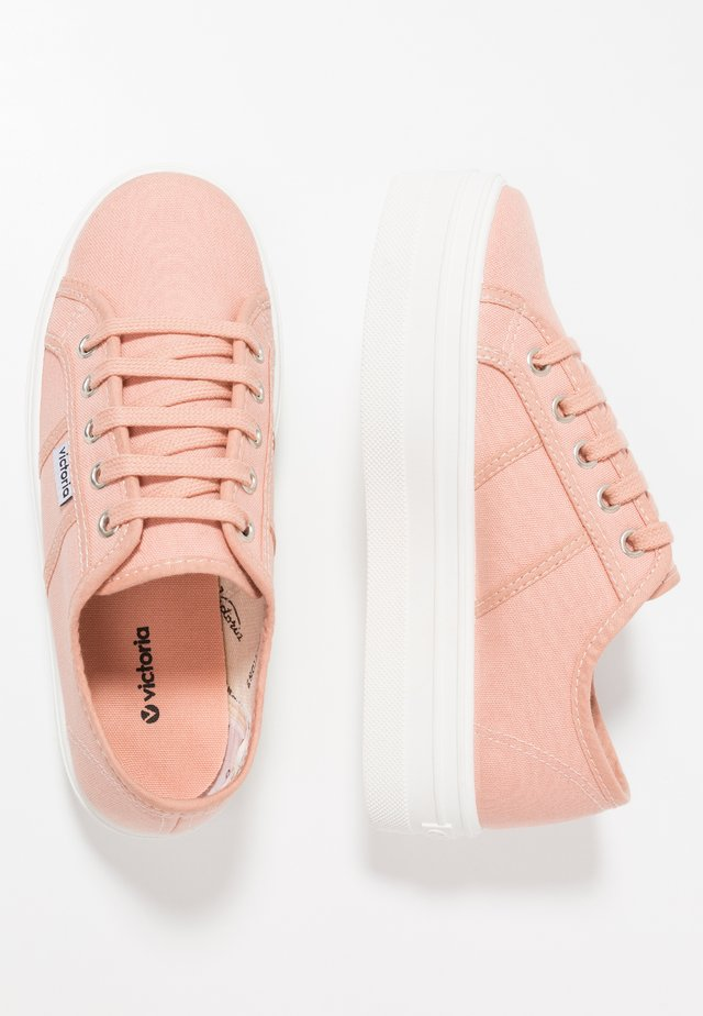Sneaker low - maquilla