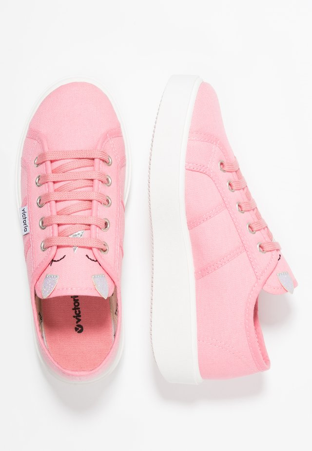 Sneakers - flamingo