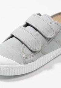 Victoria Shoes - Sneaker low - zinc - 2