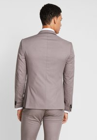 Viggo - GOTHENBURG SUIT - Garnitur - taupe - 3
