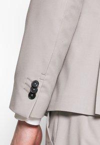 Viggo - NEW GOTHENBURG SUIT - Suit - silver grey - 9