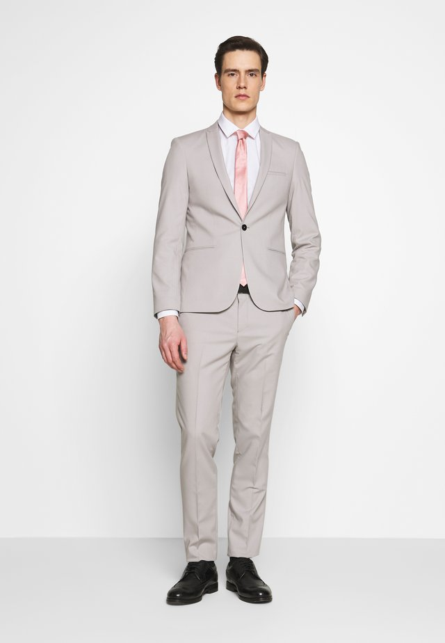 NEW GOTHENBURG SUIT - Oblek - silver grey