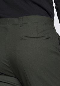 Viggo - GOTHENBURG SUIT SET - Suit - khaki - 10