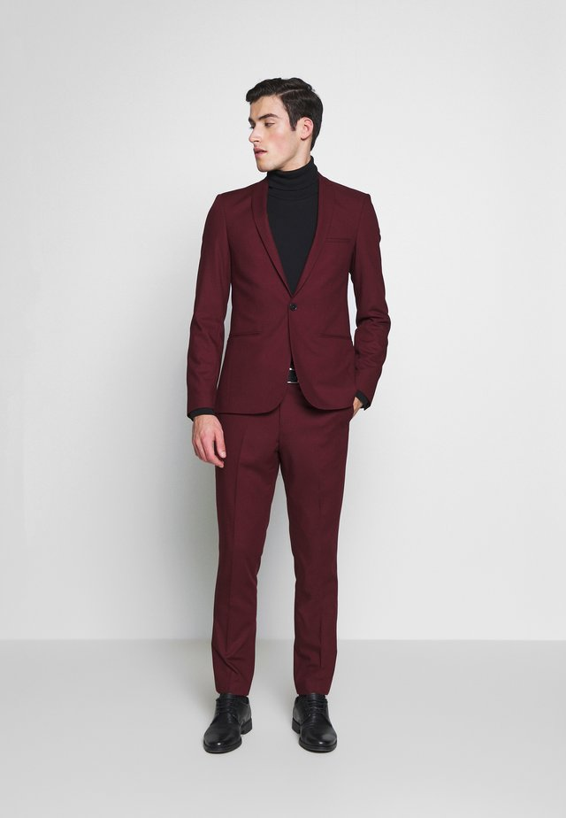 NEW GOTHENBURG SUIT - Oblek - port