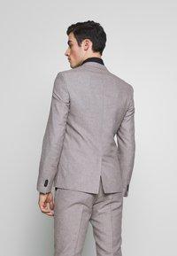 Viggo - PRIZE SUIT - Suit - stone - 3