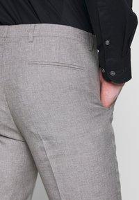 Viggo - PRIZE SUIT - Suit - stone - 12