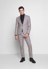 Viggo - PRIZE SUIT - Suit - stone - 0
