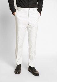 Viggo - NEW GOTHENBURG SUIT - Suit - white - 4