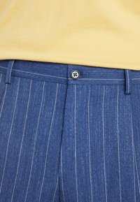 Viggo - ODDA CROPPED - Trousers - blue - 5