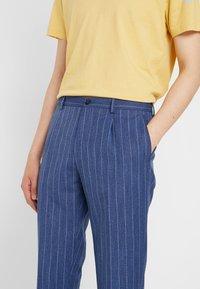 Viggo - ODDA CROPPED - Trousers - blue - 3