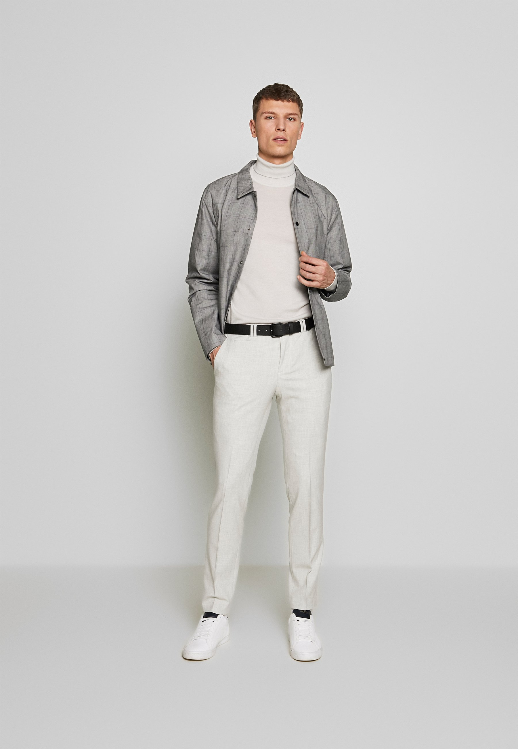 Viggo Ostfold Trouser - Tygbyxor Light Grey