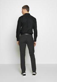 Viggo - OSTFOLD TROUSER - Pantalon classique - charcoal - 2