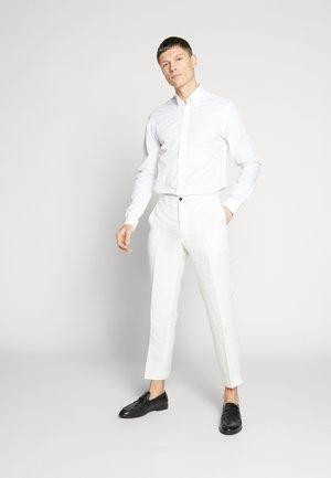 FINNMARK TROUSER - Kalhoty - white