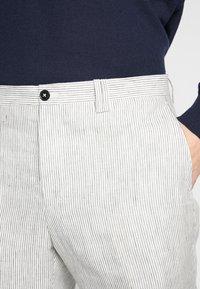 Viggo - MYSEN TROUSER - Pantalon classique - cream - 5