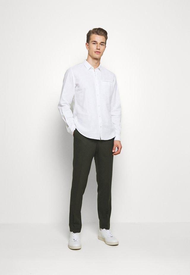 VESTFOLD TROUSER - Trousers - khaki