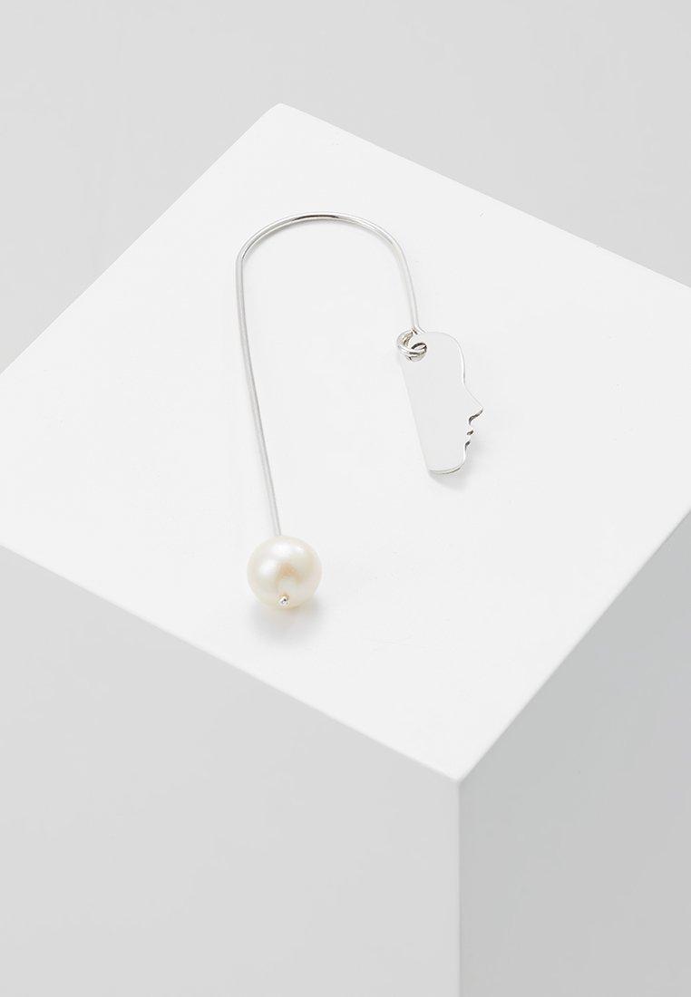 Vibe Harsløf - EARRING FACE HANGING RIGHT - Ohrringe - silver