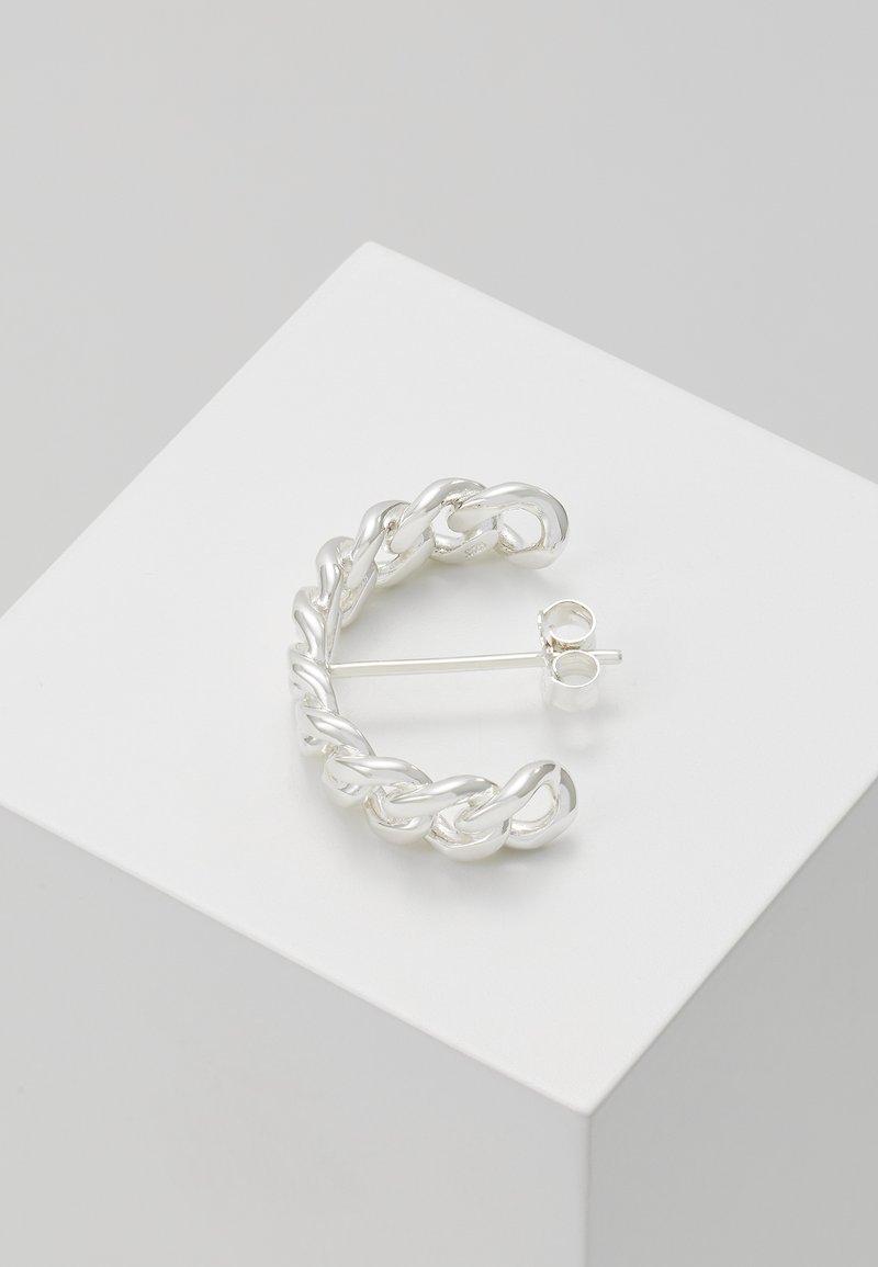 Vibe Harsløf - HOOP CHAIN LARGE - Oorbellen - silver-coloured