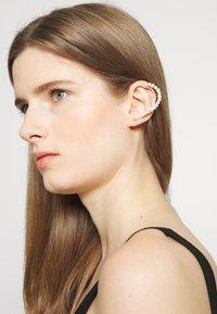Vibe Harsløf - IRIS EARBRACE MANY - Örhänge - silver-coloured - 1