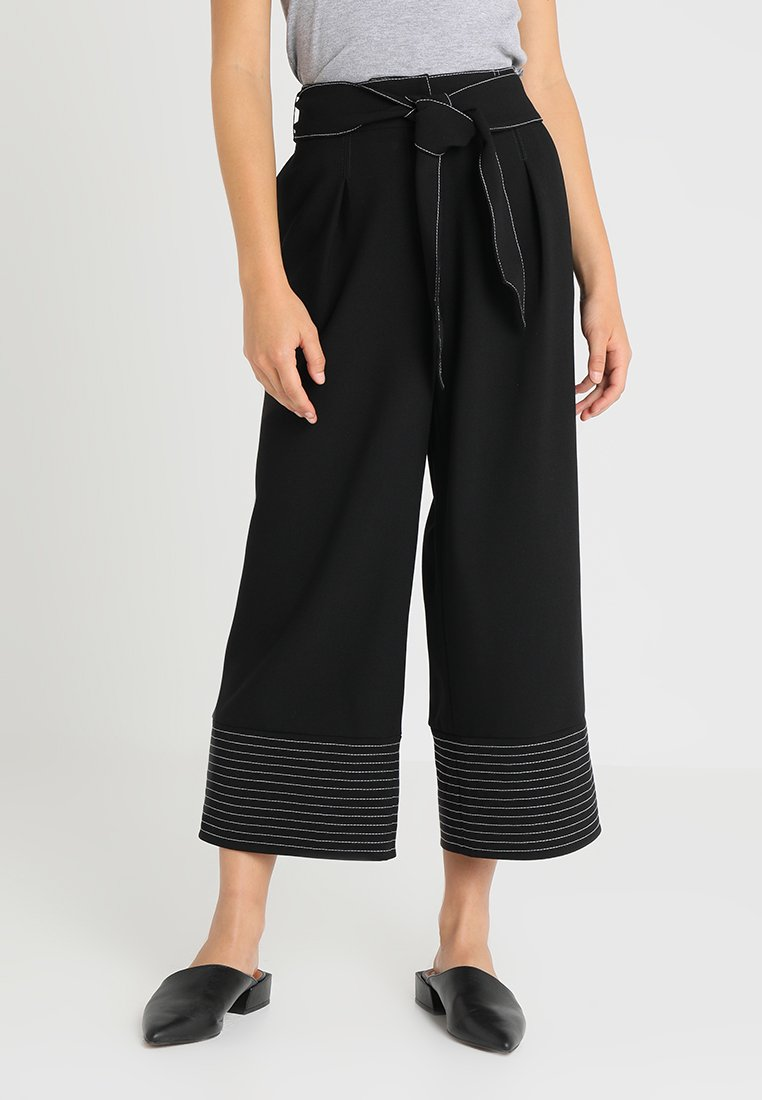 Vince Camuto Petite - TRAPUNTO CUFF BELTED PANTS - Kalhoty - rich black
