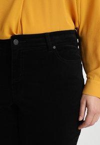 Vince Camuto Plus - WASHED PANT - Kalhoty - rich black - 4