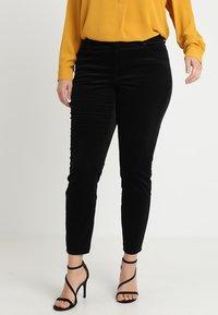 Vince Camuto Plus - WASHED PANT - Kalhoty - rich black - 0