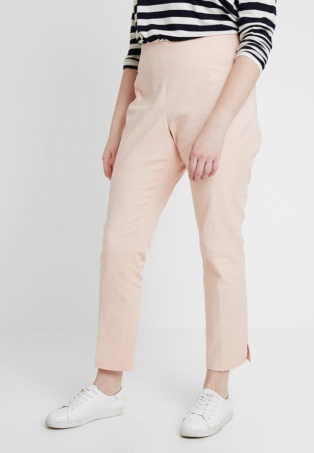 VENTED CUFF PANT - Pantalon classique - peach bellini