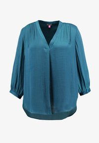 Vince Camuto Plus - SPLIT NECK RUMPLE BLOUSE - Blus - deacon blue - 4