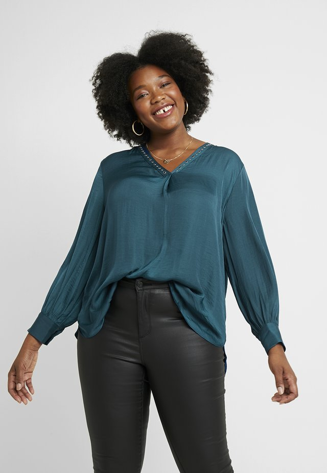 STUDDED V NECK RUMPLE BLOUSE - Pusero - deacon blue