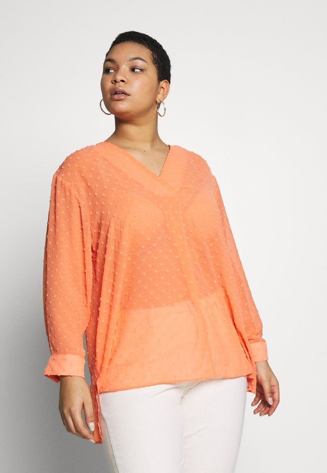 DOT CLIPPED BLOUSE - Bluzka - coral