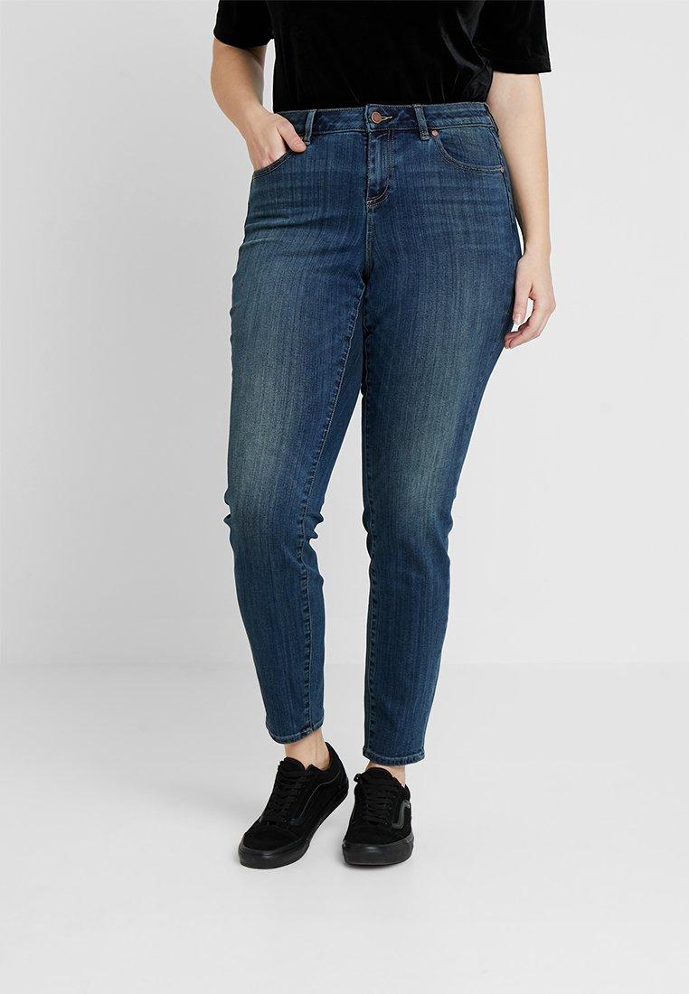 Vince Camuto Plus - INDIGO - Jeans Skinny Fit - mid vintage