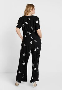 Vince Camuto Plus - TOSSED FLOWERS - Overal - rich black - 2