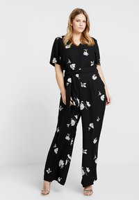 Vince Camuto Plus - TOSSED FLOWERS - Overal - rich black - 1