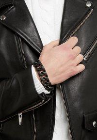 Vitaly - INTEGER - Armband - matte black - 1