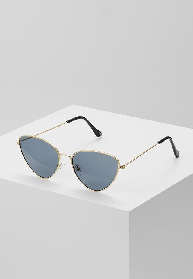 POINTY COLOURED LENS SUNGLASSES - Sunglasses - smoke