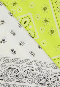 Vintage Supply - 2 PACK BANDANA - Skjerf - neon yellow/white - 2