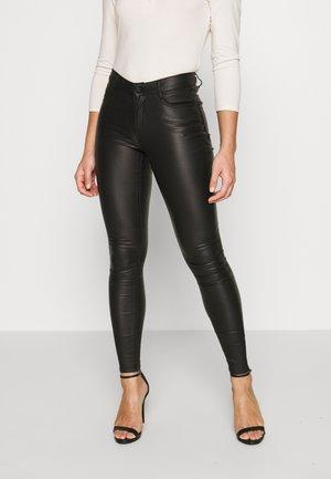 VICOMMIT COATED NEW PANT - Bukse - black