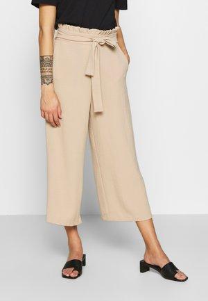 VIRASHA CROPPED WIDE PANT  - Kalhoty - beige