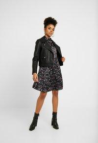 VILA PETITE - VIDAGO SHORT DRESS - Korte jurk - black - 2