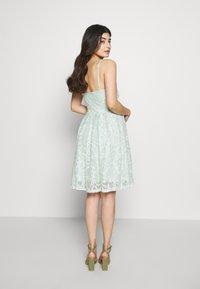 VILA PETITE - VICYRENA DRESS PETITE - Cocktail dress / Party dress - cameo green - 2