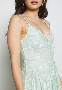 VILA PETITE - VICYRENA DRESS PETITE - Cocktail dress / Party dress - cameo green - 4